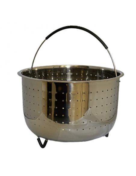 Vista de cesto vapor de acero inoxidable con asa y patas cubiertas de silicona.