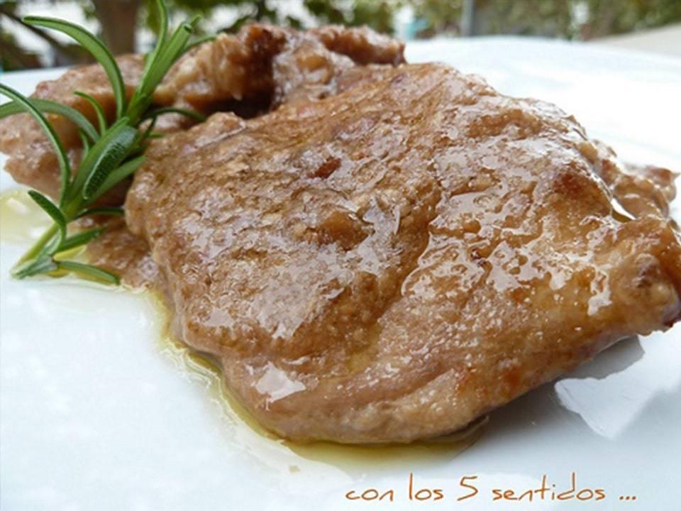 Magro de Cerdo con Salsa de Almendras