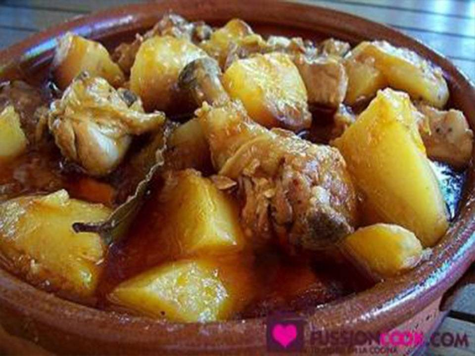 Recetas FussionCook: Pollo con tomate y patatas.