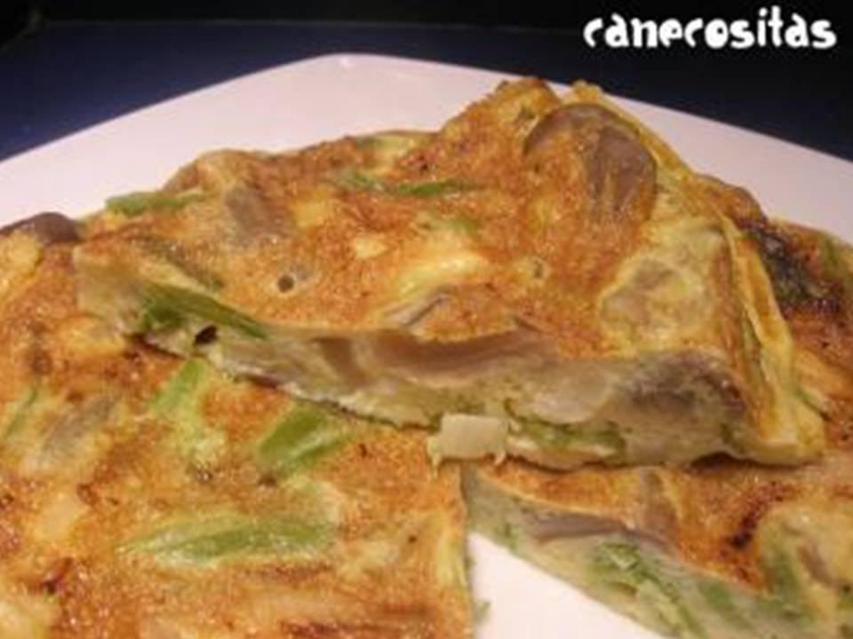 Tortilla de Setas y Ajos Tiernos.