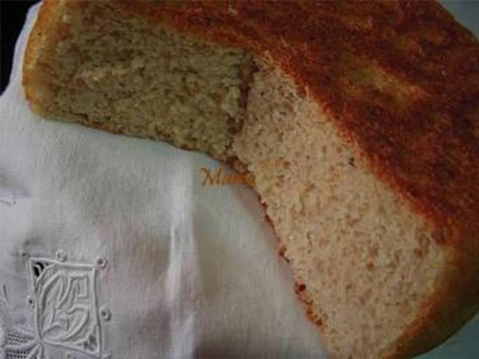 Pan de leche con pipas.