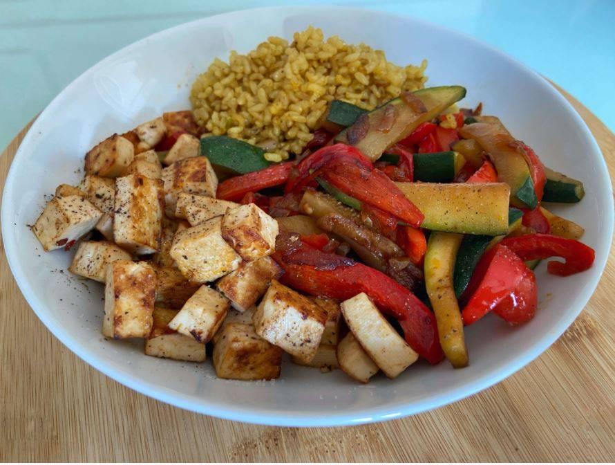Salteado Vegano de Verduras y Tofu.