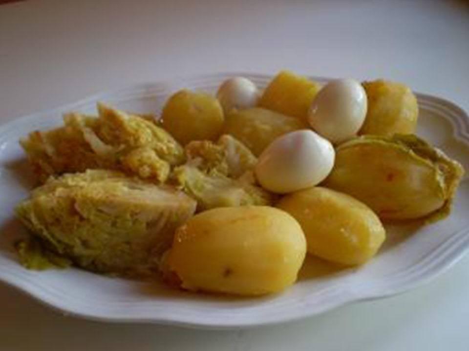 Recetas FussionCook: Hervido de repollo, patatas y huevos.