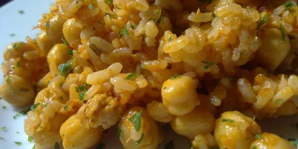Arroz con Garbanzos y Atún